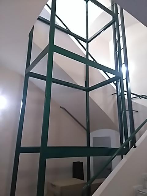 Instalar ascensor por hueco de escalera existente blog for Cuanto cuesta cambiar puertas de un piso