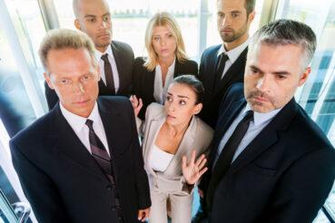 Situaciones incómodas en ascensores, ¿te ha pasado alguna?