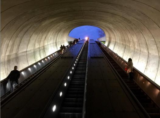 escaleras-mecanicas-personas