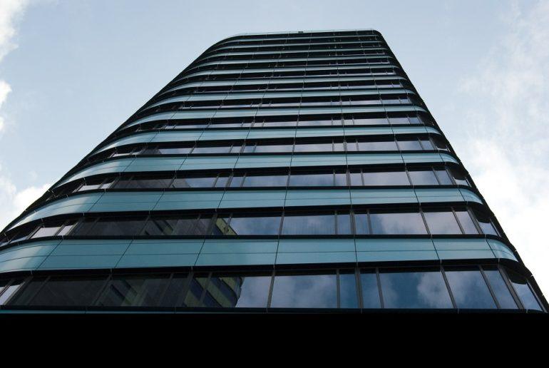 Instalar un ascensor en la comunidad…¿sabes qué es el coeficientede altura de un ascensor y cómo te afecta?