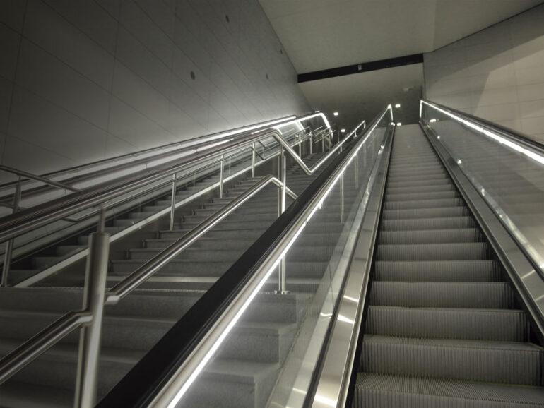 10 consejos para el uso correcto de las escaleras mecánicas