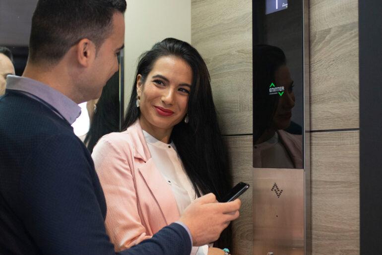 ¿Cumple tu ascensor con las medidas mínimas?